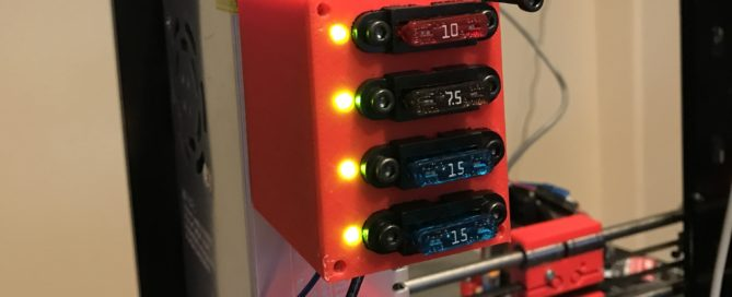 3d printed fuse box with leds that show if a fuse blew